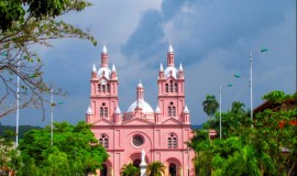 the Basilica of the Lord of Miracles, in Buga (Valle del Cauca) - Tourism in Colombia