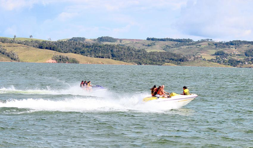 jetsky_colombia_tourism_adventure