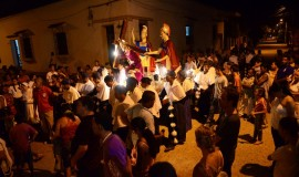 the religious processions in Mompox - Tourism in Colombia