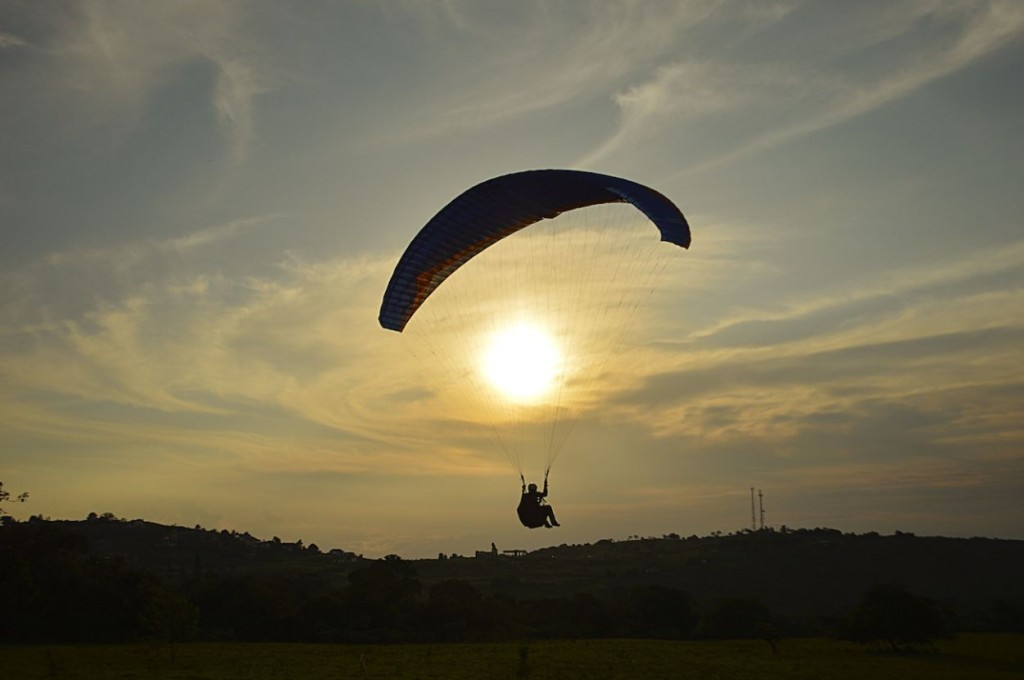 paragliding_buitrera_colombia_adventure_tour