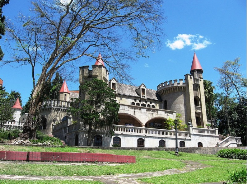 castle_museum_medellin_travel_colombia