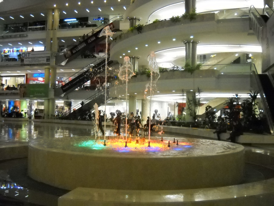 santa_fe_mall_medellin_travel_colombia