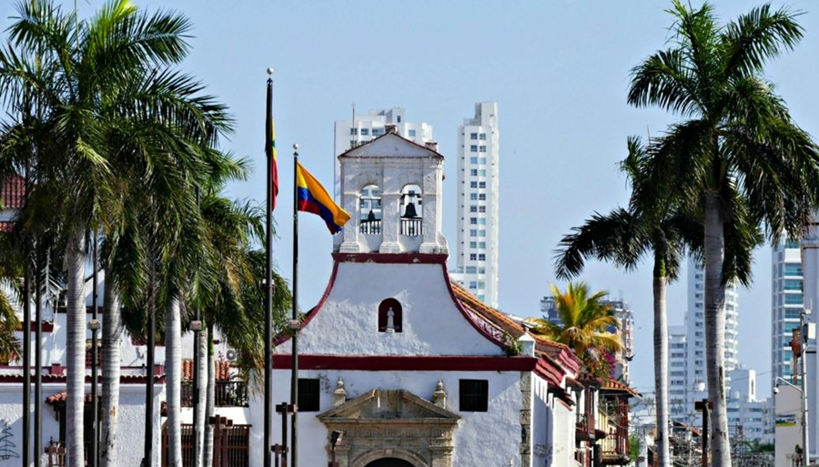 cartagena_church_old_town_colombia_travel