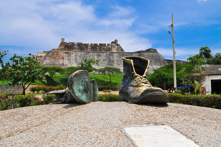 cartagena_old_shoes_colombia_travel