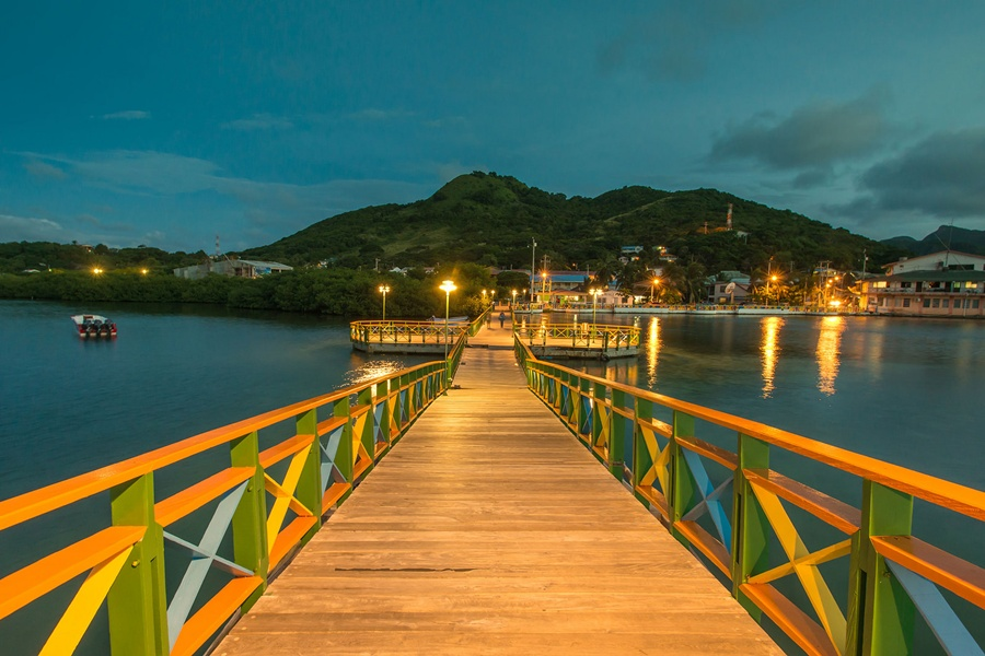 lover_bridge_providencia_travel_santa_catalina_colombia
