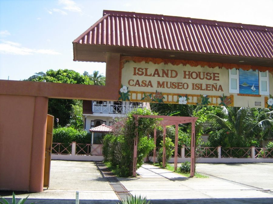 san_andres_island_house_museo_islena_colombia_travel