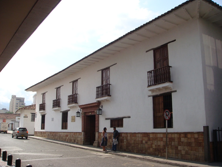 cali_casa_arzobispal_colombia_travel
