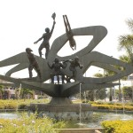 cali_monumento_deporte_colombia_travel