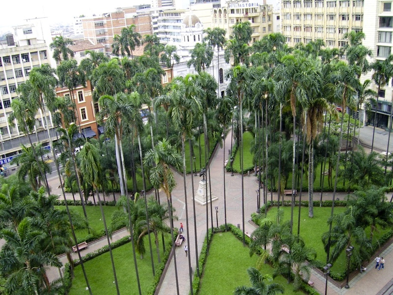 cali_plaza_caicedo_colombia_travel