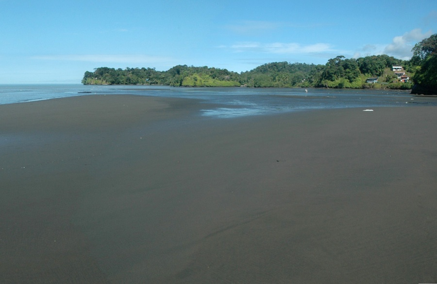 playa_pianguita_buenaventura_turismo_colombia