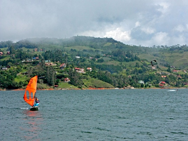 Lake Calima, Also known as Calima Dam, has become one of the mayor tourist sites in Colombia.