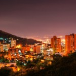 cali-colombia-panoramica-noche-valle-colombia