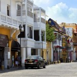 cartagena_calle_arsenal_turismo_colombia_travel
