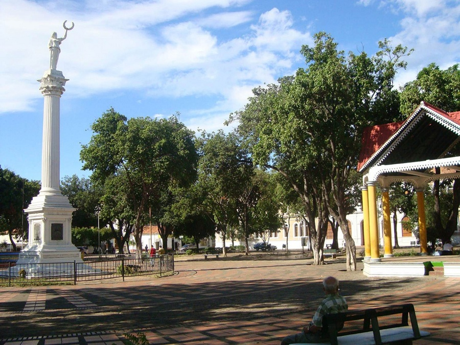 plaza_independencia_cucuta_travel_colombia